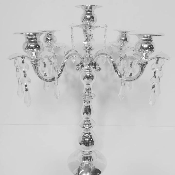 Металлический подсвечник на 5 свечей