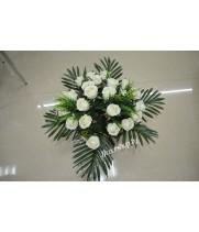 Букет из искусственных цветов (розы)